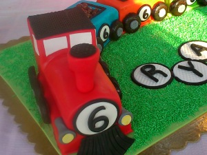 Train engine cake